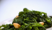 ١٠ أطعمة مغذية وتساعد على التخلص من الدهون بنفس الوقت