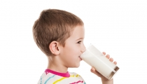 طرق ذكية لإقناع طفلك بتناول الأغذية الصحية