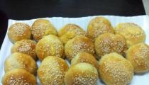 كرات الخبز بالثوم