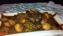 طاجن لحم بالخضروات