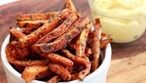أصابع البطاطا الحلوة المقرمشة