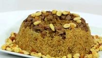 أرز باللحمة والمكسرات