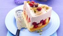 كعكة اللوز والفواكه الجافة