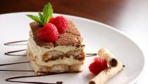 كعكة التيراميسو الايطالية بخطوات سهلة