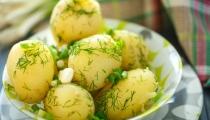 سلطة البطاطا الشهية