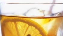 انظر ماذا يفعل الشاي الاخضر في جسم الانسان