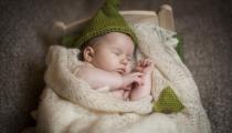 ١٠ طرق طبيعية لعلاج مغص الأطفال الرضع دون أدوية أو طبيب -